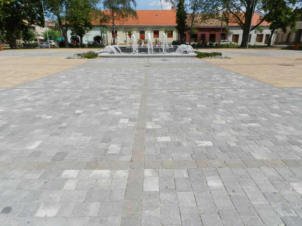 Leier Castrum antik térkő füstantracit