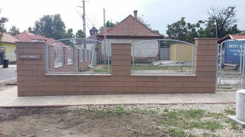 Semmelrock Rivago kerítés mokka