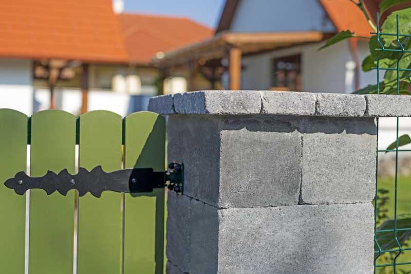 Leier Antik kerítéskő füstantracit