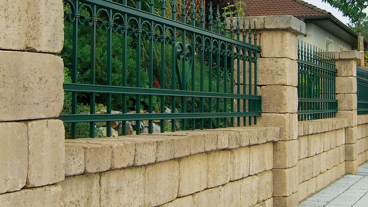 Semmelrock Castello kerítés homok-sárga