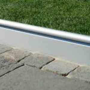Semmelrock Alu szegély 120x22x3,3 cm - szürke alumínium