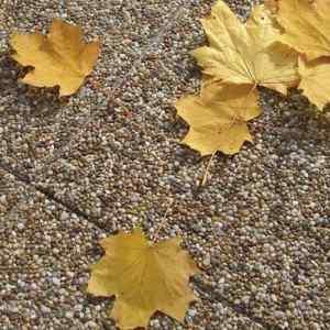Semmelrock Picola lap fövenybarna szín